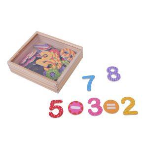 קופסת מספרים מגנטיים צבעוניים 45 יח