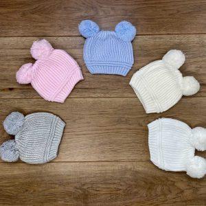 כובע סרוג לתינוק עם זוג פונפונים מידות NB-6 חודשים