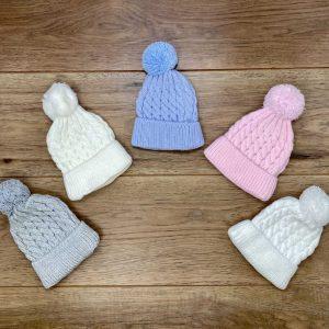 כובע פונפון סרוג לתינוק  מידות NB-6 חודשים