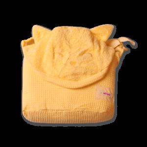 מגבת עם קשירה לצוואר גוון צהוב בננה – מיננה