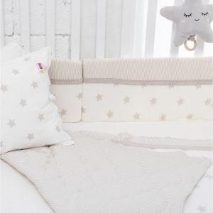 סט מצעים קלאסי למיטת תינוק שמנת מודפס –  מיננה